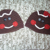 Gingerbread Man (or Woman) Hat Fingerless Glove Set – Pattern Reviews