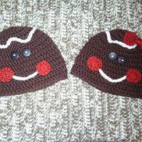 Gingerbread Man (or Woman) Hat Fingerless Glove Set – Pattern Reviews