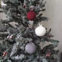 Crochet Christmas Bauble Ornaments – Free Pattern