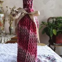 Raspberry Surprise Front Post Wine Cozy – Free Crochet Pattern