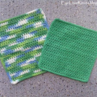 Basic Washcloth in 2 Sizes – Free Crochet Pattern & Photo Tutorial
