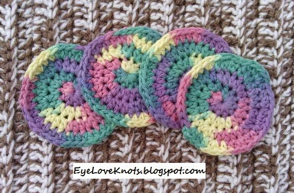 Basic Washcloth in 2 Sizes – Free Crochet Pattern & Photo