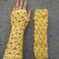Lacy Fingerless Gloves – Free Crochet Pattern