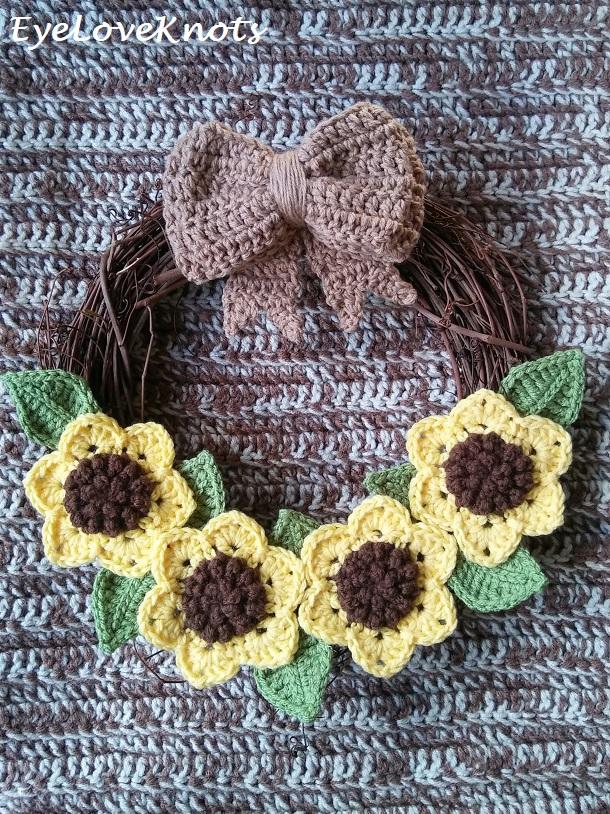 Fall Inspired Sunflower Wreath Free Crochet Pattern
