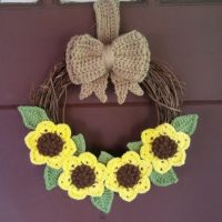 Fall Inspired, Sunflower Wreath – Free Crochet Pattern