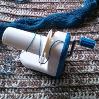 How to Use a Basic Yarn Winder – Photo Tutorial