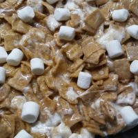 Cinnamon Toast Crunch Cereal Bars – Recipe Review – Kelly Lynn's Sweets and Treats