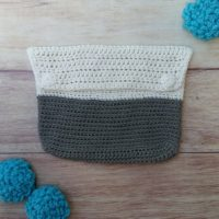Dip-Dyed Clutch – Free Crochet Pattern