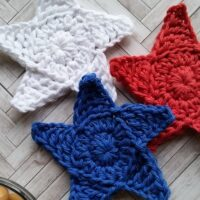 Seeing Stars Coasters – Free Crochet Pattern