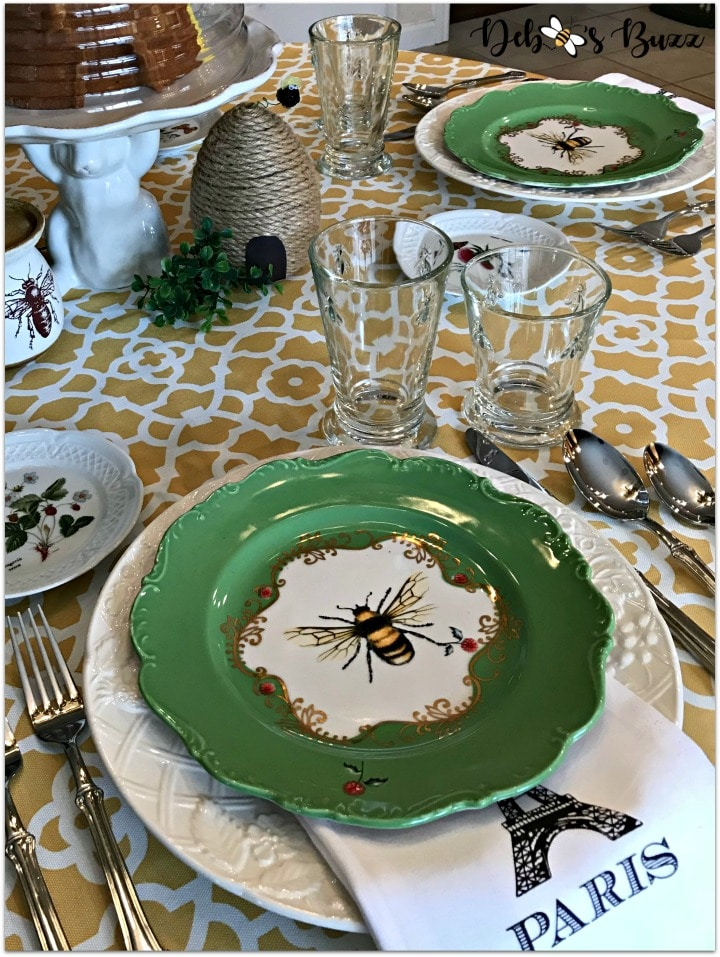 Beehive Tablescape from Debbee's Buzz