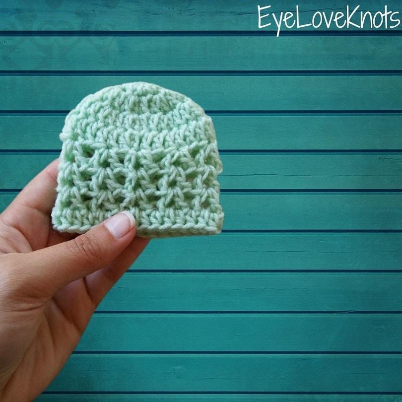 green crocheted v-stitch preemie beanie, EyeLoveKnots, Lightweight Veronica Preemie Beanie