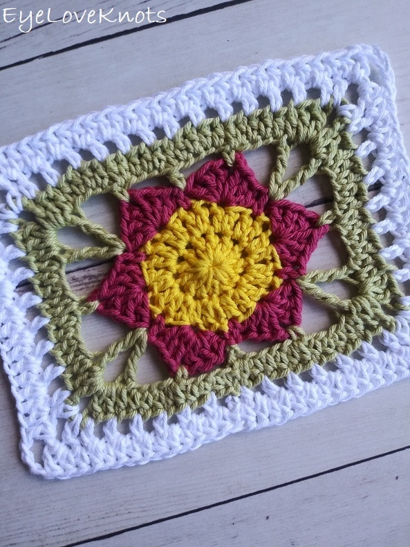 crocheted floral doily, EyeLoveKnots, Lily's Floral Rectangle Doily